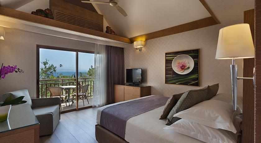חדר עם מרפסת מלון אורכידאה