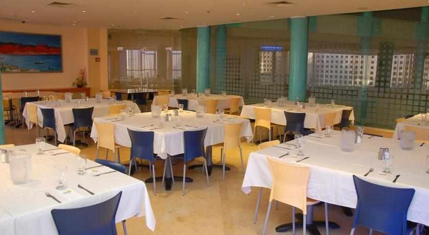 חדר אוכל מלון עדי