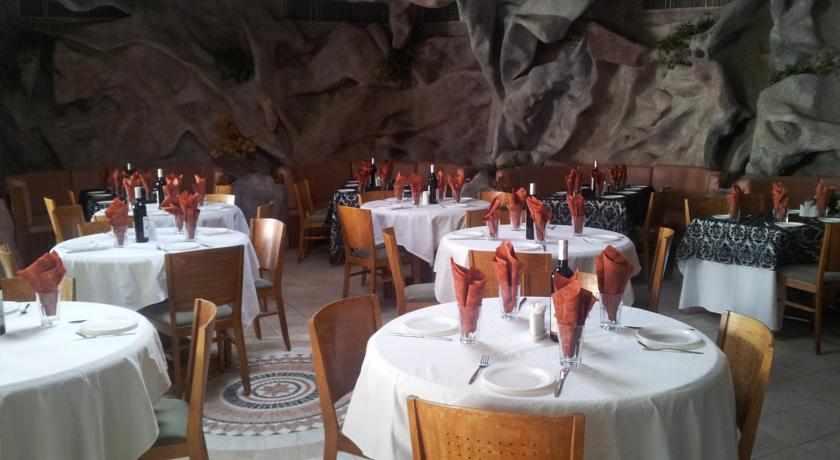 חדר אוכל מלון אמריקנה