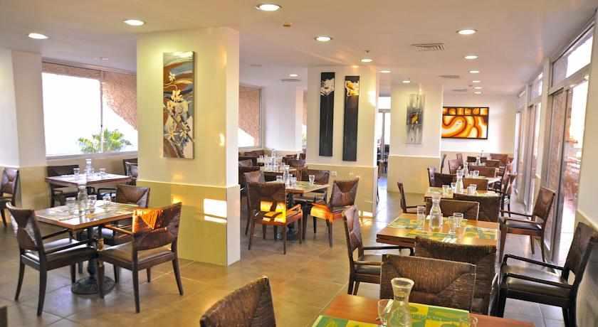 חדר אוכל מלון אקווה מרין