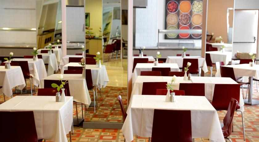 חדר אוכל מלון אסטרל מאריס