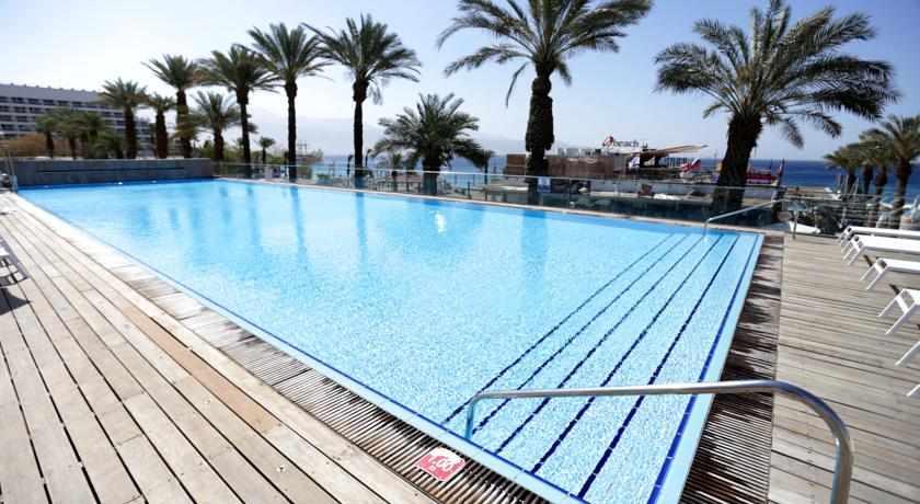 בריכת שחייה מלון אסטרל מאריס