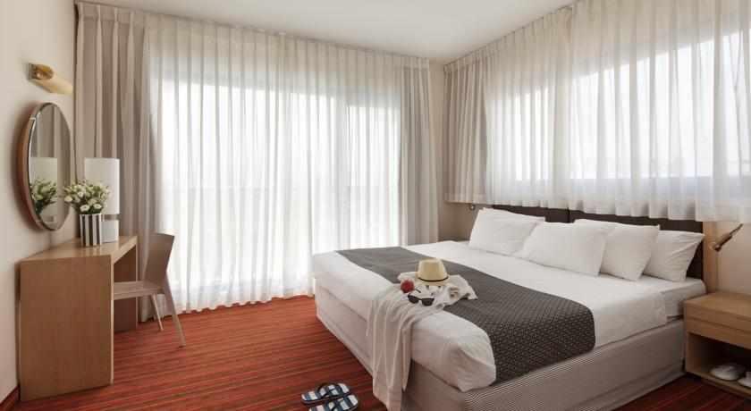 חדר זוגי מלון אסטרל נירוונה קלאב