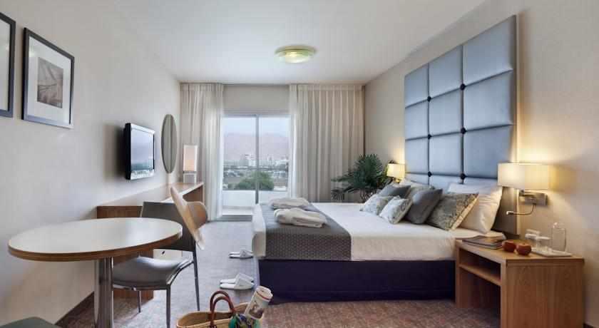 חדרים זוגיים אסטרל נירוונה סוויטס