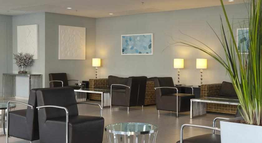 לובי מלון אסטרל נירוונה סוויטס