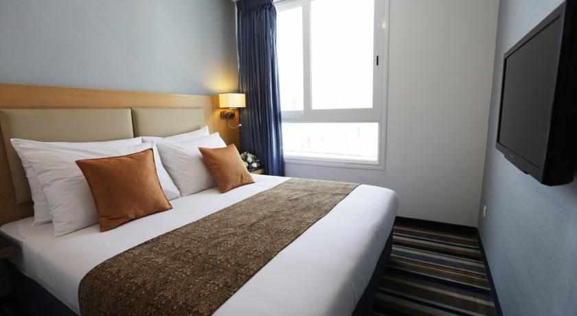 מיטה זוגית מלון אסטרל פאלמה