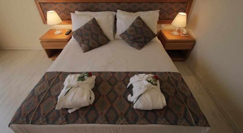 חדרים זוגיים מלון בי קלאב
