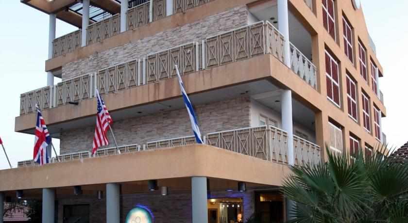 מלון בלו