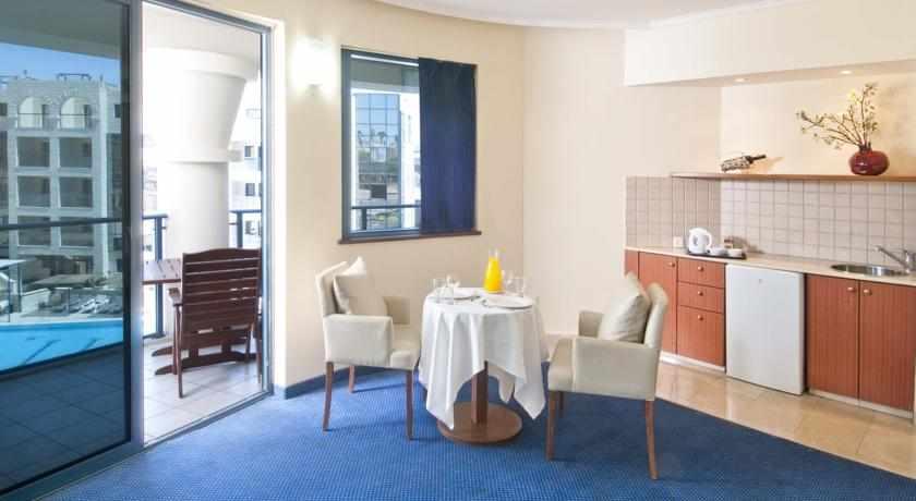 חדר עם מטבח מלון סנטרל פארק