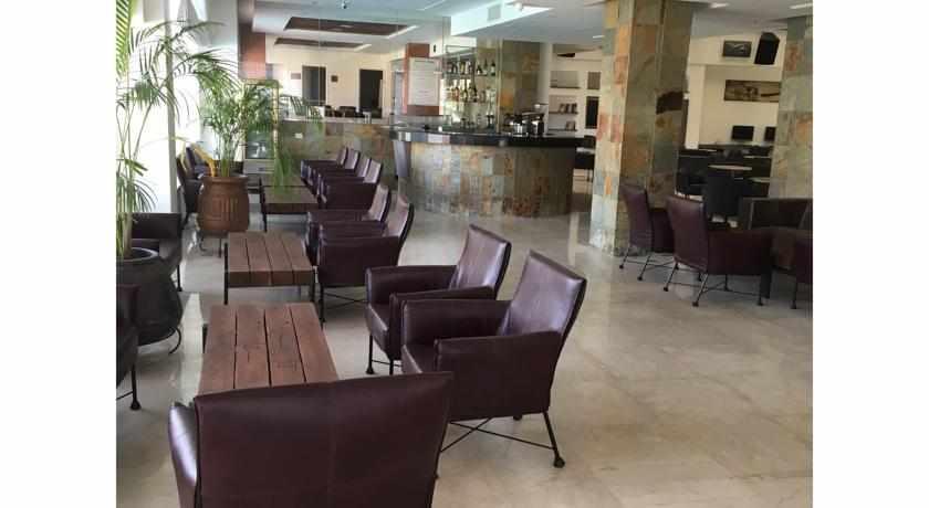 לובי מלון קומפורט