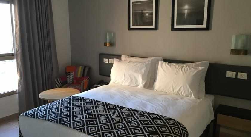 מיטה זוגית מלון קומפורט