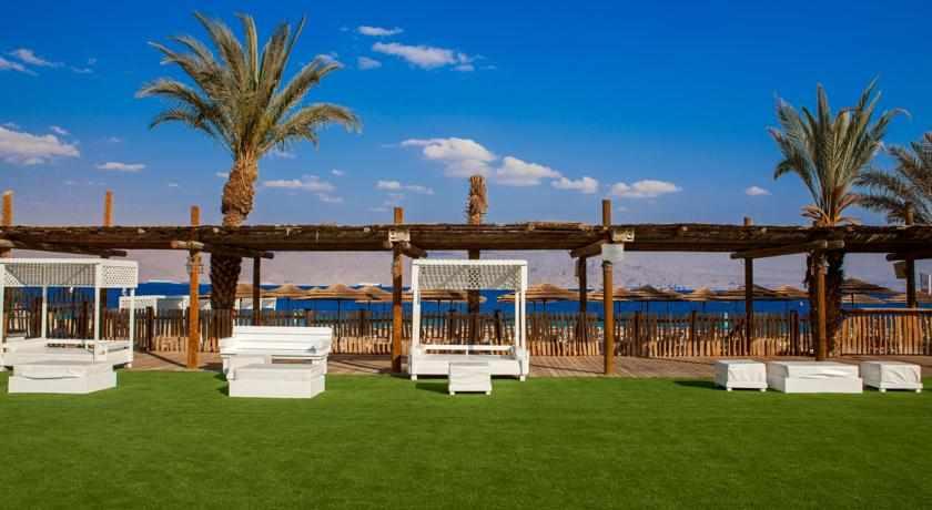 חוף פרטי מלון יו קורל ביץ'