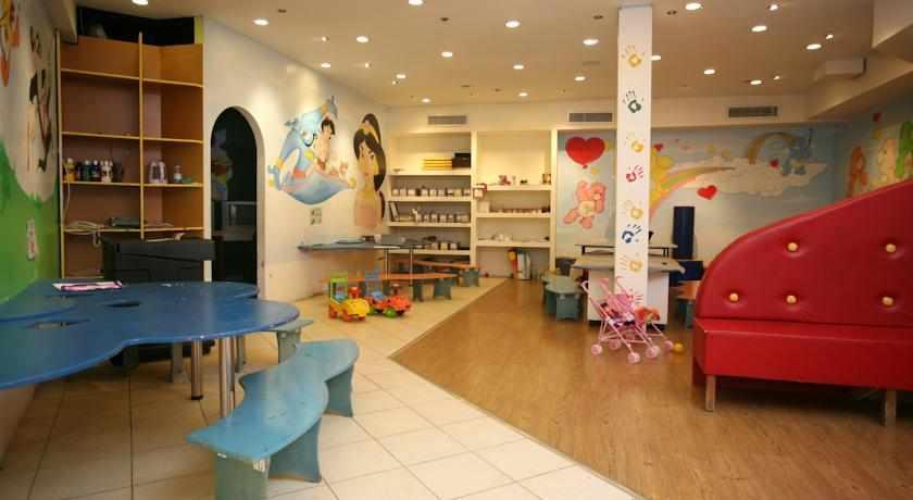 פעילויות לילדים מלון קראון פלאזה