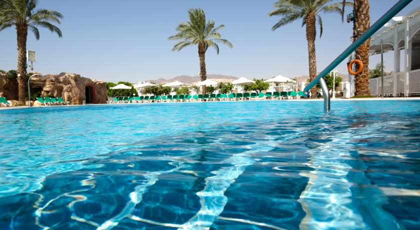 בריכת שחייה מלון דן פנורמה