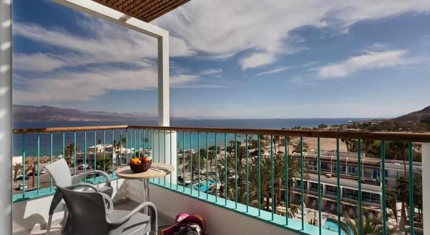 מרפסת לים מלון ים סוף