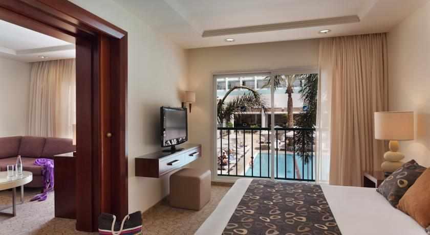 חדר נוף לבריכה מלון ים סוף
