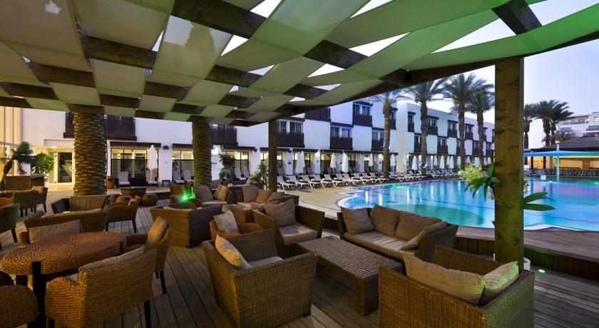 סנייק בר בבריכה מלון לה פלאיה פלוס
