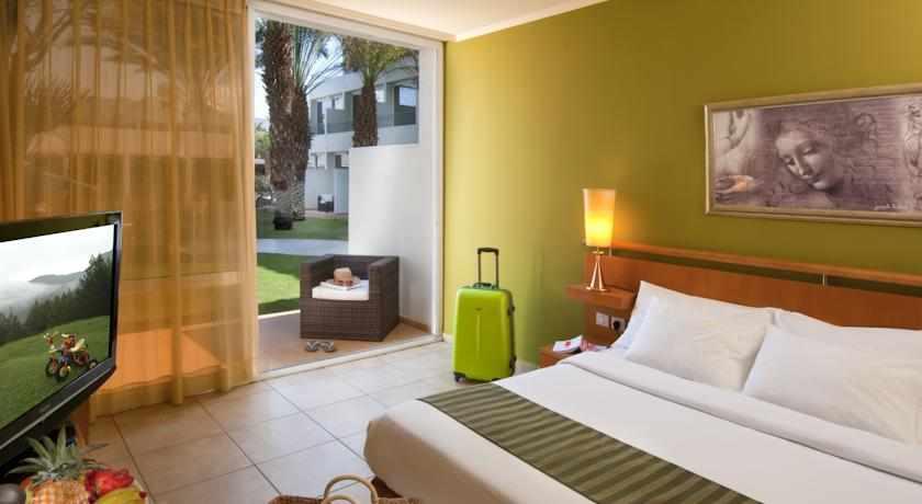 חדר גן מלון לאונרדו קלאב
