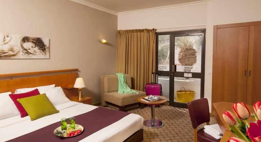 חדרים זוגיים מלון לאונרדו פריוילג'