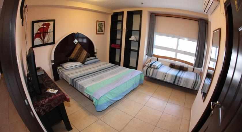 חדר לשלושה אכסניית הנסיך הקטן