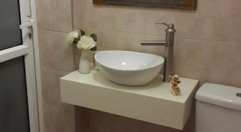 אמבטיה הוסטל הנסיך הקטן