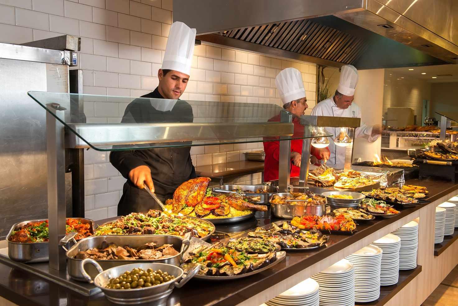 חדר האוכל של אסטרל נירוונה סוויטס