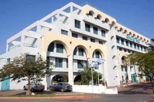 מלון נובה לייק במרכז העיר