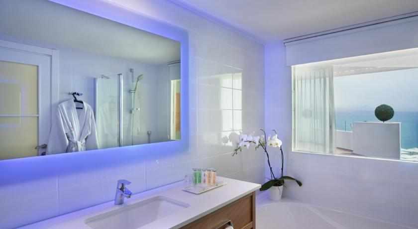 אמבטיה מלון אורכידאה הריף