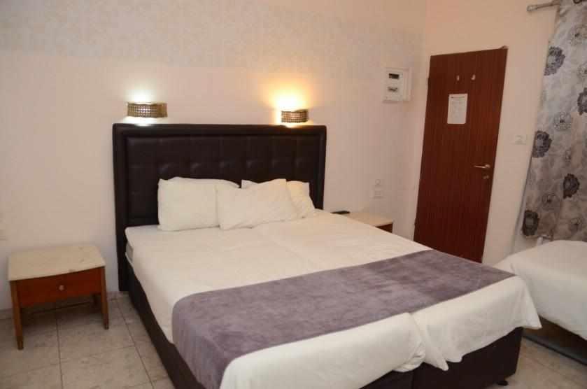 חדר לשלושה מלון הים האדום