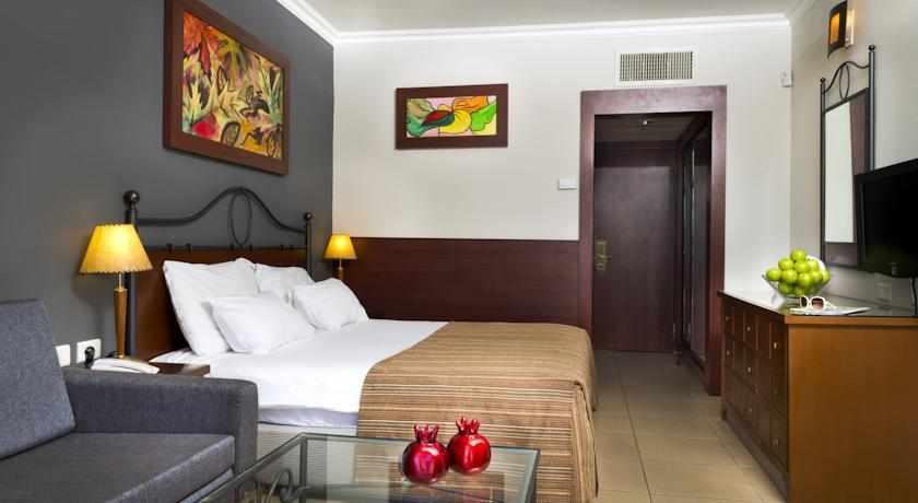 חדרים מעוצבים מלון רימונים