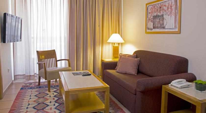 חדר מלון רויאל גרדן