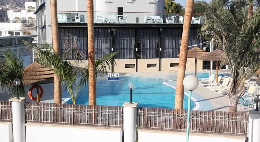 בריכת שחייה חיצונית מלון בוטיק סולי