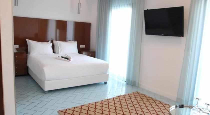 מיטה זוגית מלון בוטיק סולי