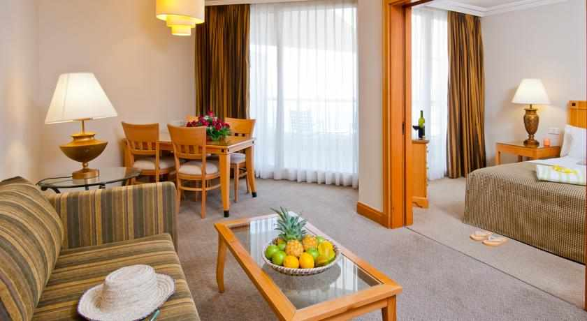 חדר זוגי מלון יו סוויטס