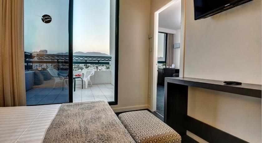 חדר עם מרפסת מלון ויסטה